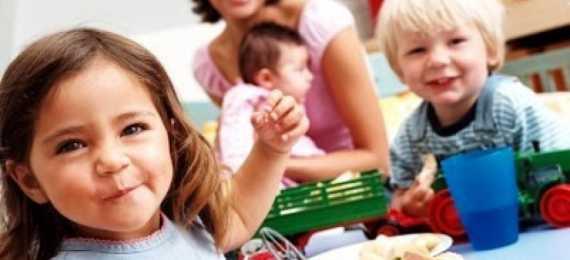 Çocuk Bakıcı Ararken Nelere dikkat Edilmelidir?
